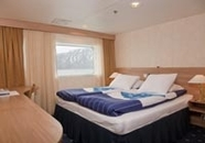 Suite with Queen Bed (5)